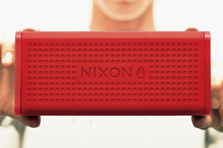 The Blaster, el altavoz indestructible de Nixon