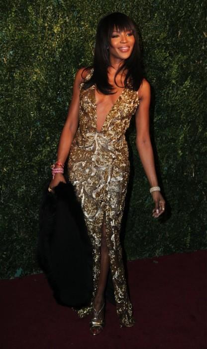 Naomi Campbell, otra con pose raruna