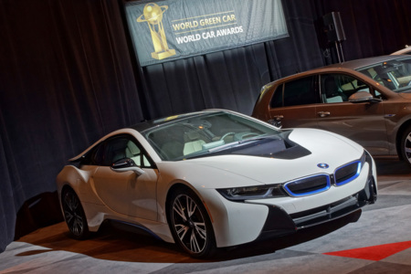 El BMW i8 es el World Green Car 2015