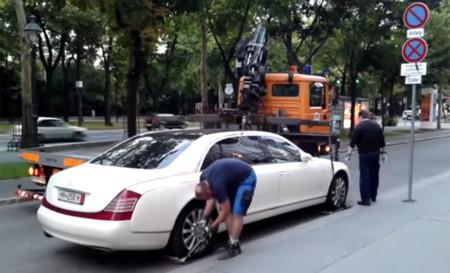 Video: Si no quieres que la grúa se lleve tu auto ¡cómprate un Maybach!