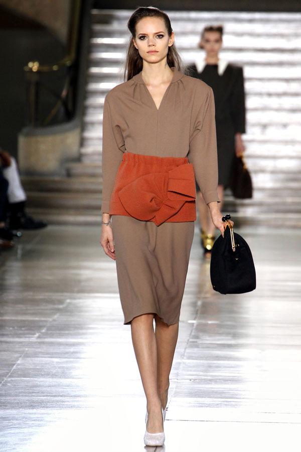 Foto de Miu Miu Otoño-Invierno 2011/2012 en la Semana de la Moda de París: Miuccia Prada al rescate (1/20)