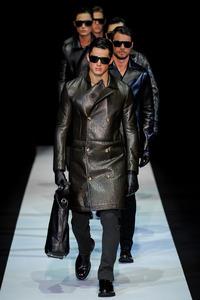 Emporio Armani Otoño-Invierno 2013/2014: estilo futurista pero con gusto