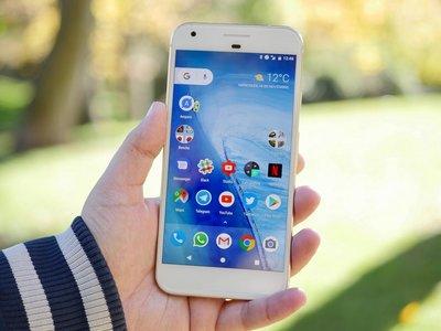 Juegan en la misma liga de precio, pero Apple saca casi el doble por iPhone que Google por sus Pixel