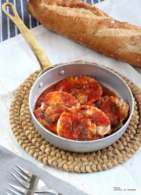 Zamburiñas picantitas con salsa de tomate y jengibre