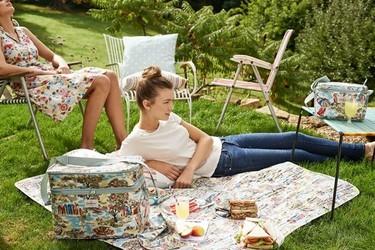 ¿Irás de picnic este verano? Llévate los accesorios de la colección Safari de Cath Kidston