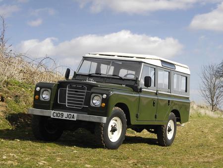Todo lo que querías saber para llevar un Land Rover... hace 40 años