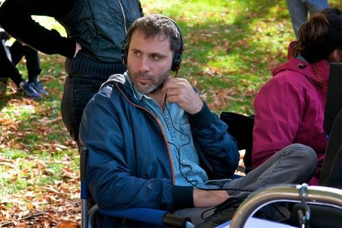 """Entrevista a Alejo Flah, director de 'Sexo fácil, películas tristes': """"El cinismo me tiene un poco cansado"""""""