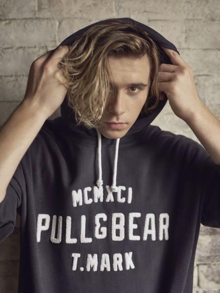 Brooklyn Beckham estará en Ferrol gracias a Pull & Bear y por una buena causa