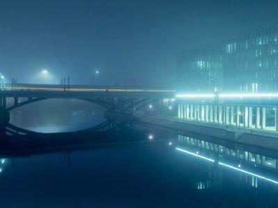 'At Night': una búsqueda reto-futurista de la noche en los paisajes alemanes