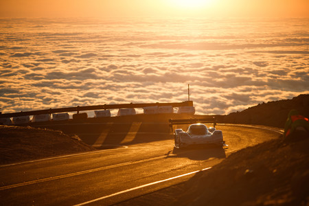 Romain Dumas pulveriza con un Volkswagen 100% eléctrico el récord de Loeb en Pikes Peak