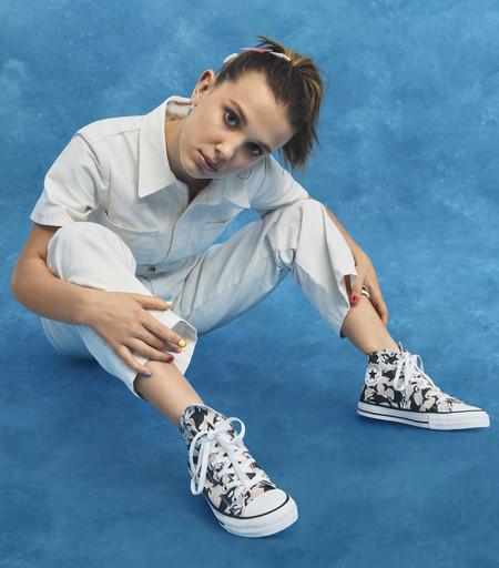 Millie Bobby Brown ha diseñado una colección para Converse (y parece que se ha inspirado en el ambiente veraniego de 'Stranger Things')
