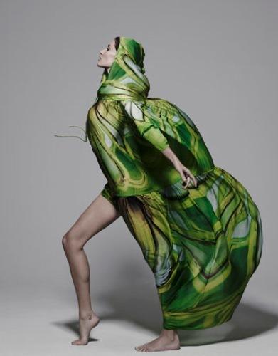 Foto de Gisele Bundchen en la portada de abril de Harper's Bazaar  (5/10)