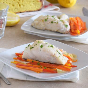 Bacalao en papillote con verduras en olla de cocción lenta: la receta más fácil para cenar sano sin excusas
