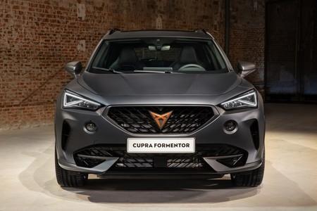 El nuevo CUPRA Formentor se podrá reservar en julio, pero la versión híbrida enchufable del SUV deportivo no llegará hasta 2021