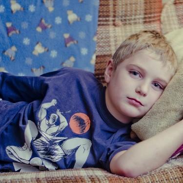 Vómitos en bebés y niños: por qué se producen, qué hacer y signos de alarma