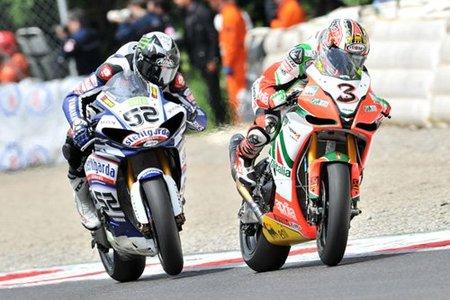 Superbikes Italia 2010: Max Biaggi hace buenos sus records y gana la primera carrera