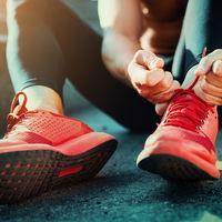 Aprende a atar los cordones de tus zapatillas de running según tus necesidades