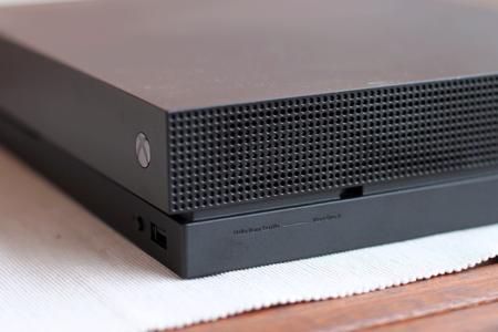 Xbox One X 18