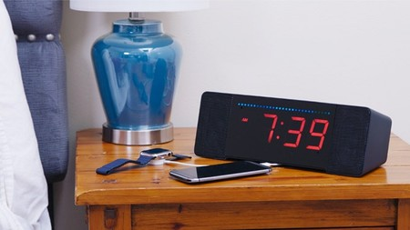 Sandman Doppler, un reloj despertador compatible con Alexa y con display personalizable