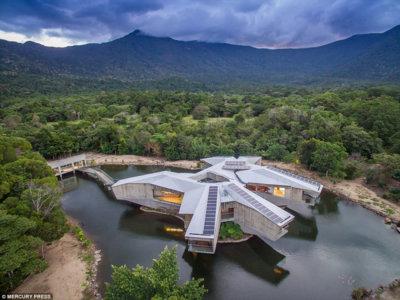 La casa con forma de Halcón Milenario de Star Wars existe y está en Australia