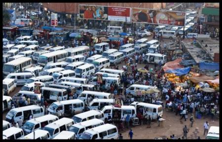 """Así mete mano Google en los """"matatus"""", pieza clave del complicado sistema de transporte de Kenia"""