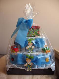 Tarta de pañales como regalo para un recién nacido
