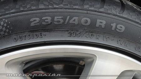 Peugeot RCZ 2013 2.0 HDi, detalle del neumático