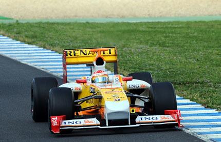 Fernando Alonso confirma la mejoría del R29 en Jerez