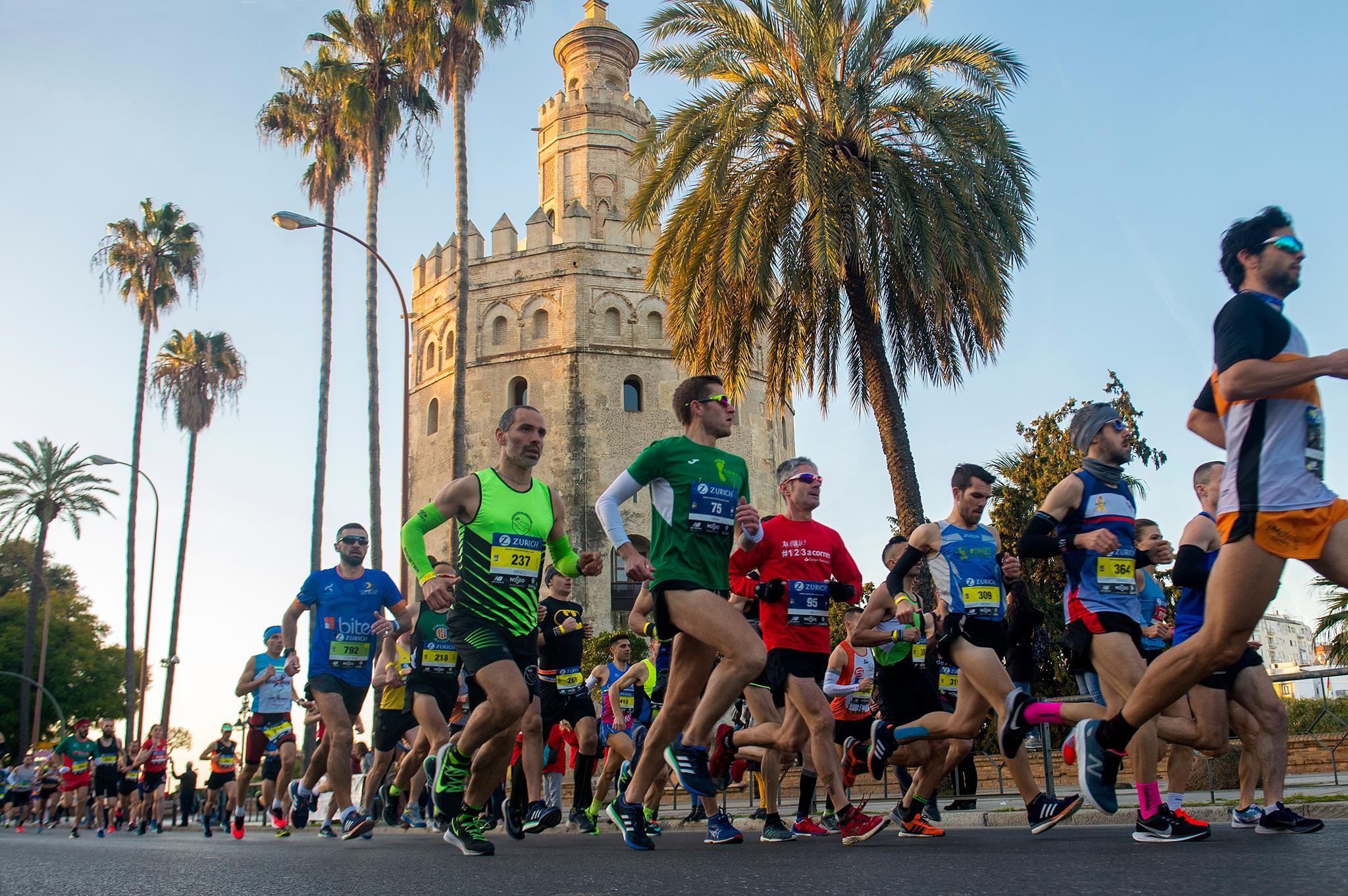 Así vivimos la maratón de Sevilla desde dentro  sudor y lágrimas para ser  finisher de la maratón más llana de Europa 84dbb80d7e8df