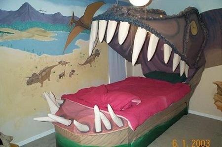 ¿Buena o mala idea?: una cama con forma de boca de dinosaurio