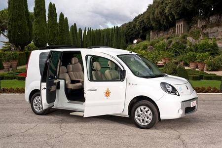 Renault regala un Papamóvil eléctrico a Su Santidad Benedicto XVI