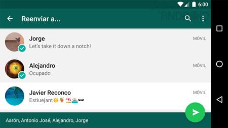 WhatsApp para Android ahora te permite reenviar un mensaje a varias personas a la vez