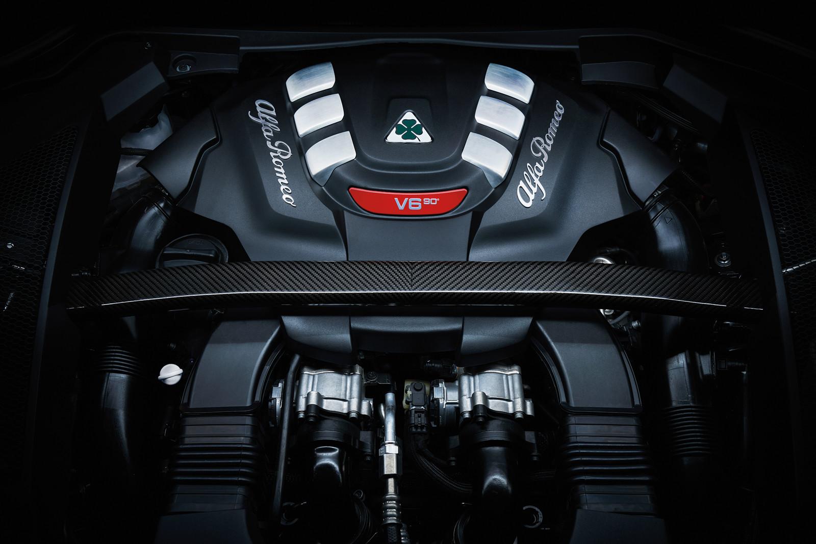 Foto de Alfa Romeo Stelvio Quadrifoglio Verde (28/36)