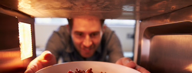 ¿Tu aliado para cocinar es el microondas? Consejos e ideas para comer mas sano con su ayuda