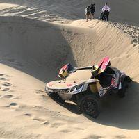 Cae otro de los favoritos del Dakar 2018 en las dunas. Abandona Sébastien Loeb