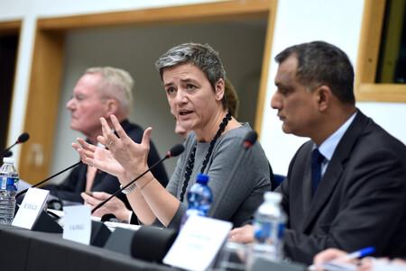 La Comisión Europea quiere que las plataformas expliquen a los usuarios cómo funcionan sus algoritmos de recomendación de contenido