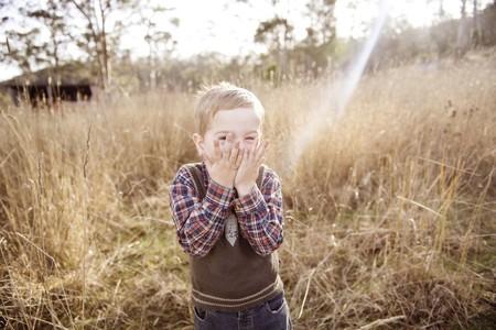 """Ni """"toto"""" ni """"colita"""": por qué es importante que los niños llamen a sus genitales por su nombre, vulva y pene"""