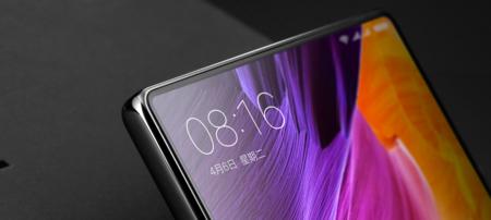 Philippe Starck ya tiene el diseño del Xiaomi Mi Mix 2: los rumores apuntan a una pantalla más ajustada y sin botones físicos