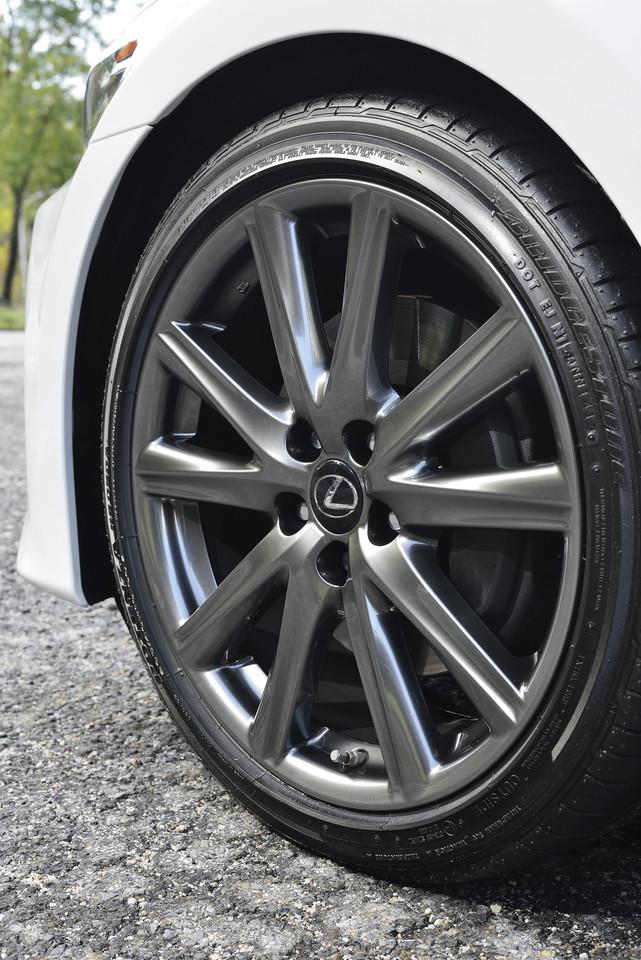 Foto de Lexus GS 300h (48/153)