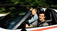 Mark Webber le da un aventón a Maria Sharapova en un Porsche 918 Spyder