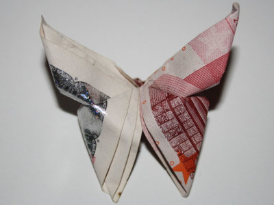 Desaceleración, paro en el 14% y deuda del 100% del PIB, las previsiones de Funcas para 2020