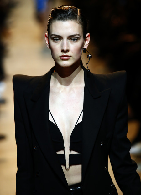 8454a377b9a0 16 peinados que nos deja la Semana de la Moda de París y que acabarán  triunfando en la calle