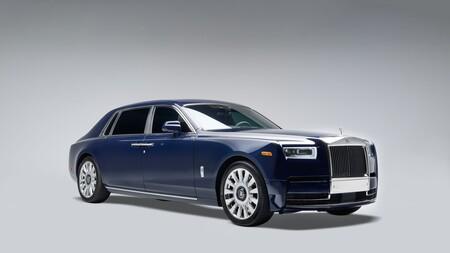¡Que corra el champán! Este es el Rolls-Royce Koa Phantom, excesivo y único en el mundo por una madera que solo crece en Hawáii