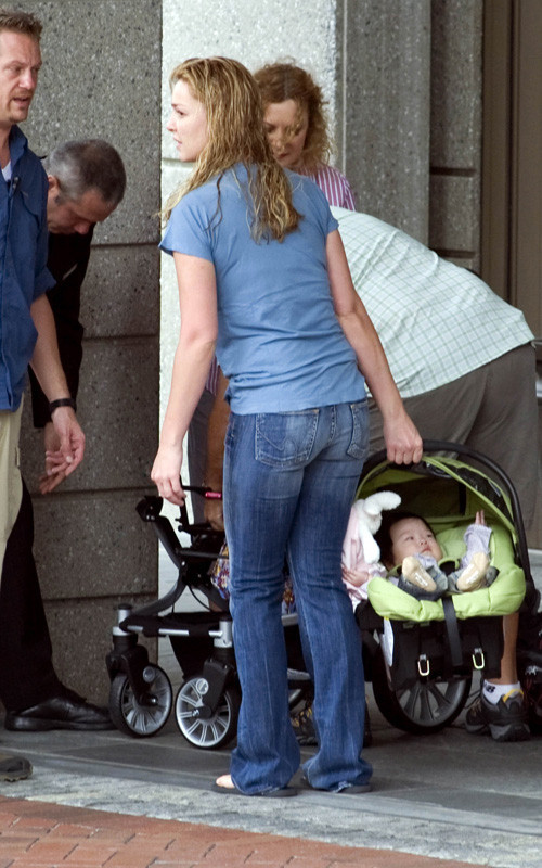 Foto de Katherine Heigl presenta a su niña (6/7)