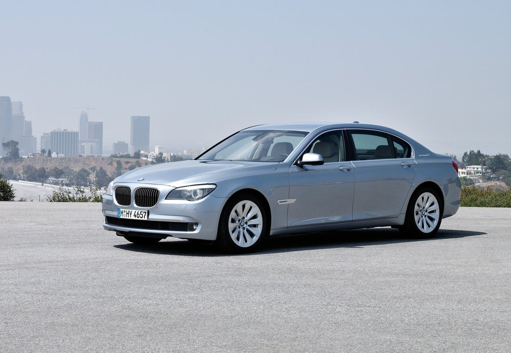 Foto de BMW ActiveHybrid 7 (8/30)