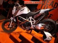 KTM 690 Stunt, bonus track en París
