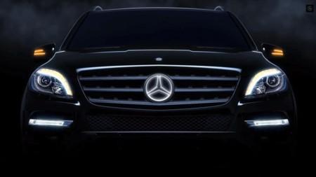 La estrella de Mercedes Benz, un ícono que a partir de ahora brillará con luz propia. ¿Será la nueva moda?