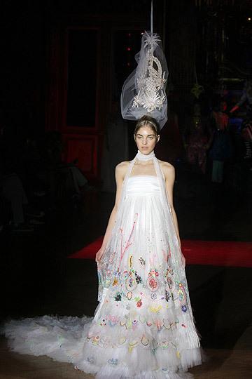diseñadores españoles: Vestido Teresa Helbig en color nude