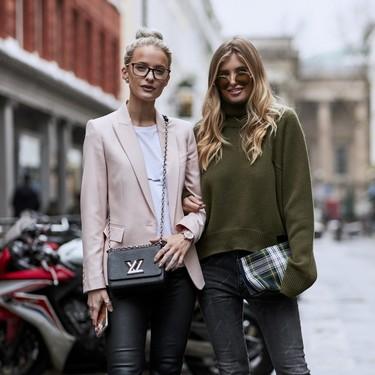 29 looks con pantalón negro que te solucionan la temporada de invierno 2018