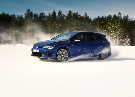 Volkswagen Golf R 2022 1600